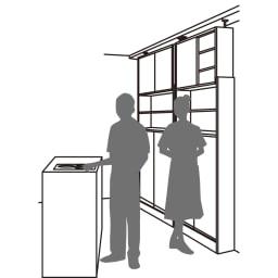 狭いキッチンでも置ける!薄型引き戸パントリー収納庫 奥行30cmタイプ 幅90cm 場所をとらない薄型設計 開閉にスペースを取らない引き戸式なので、狭い空間にも設置でき、使い勝手も◎。