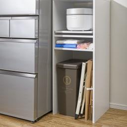 ゴミ箱上が活用できる家電オープンラック 幅59cm 【収納例 1 ゴミ箱・段ボール】 背の高いゴミ箱やかさばる段ボールの置き場に便利。