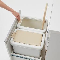 組立不要 スライド天板付きキッチン収納 ゴミ箱2分別 幅53.5cm フタは片手で開くワンプッシュ式。