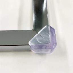 ペダル式薄型分別ダストボックス 4分別 幅63.5cm ペダル角の保護カバー付き(お客さまご自身でのお取り付けをお願い致します)。