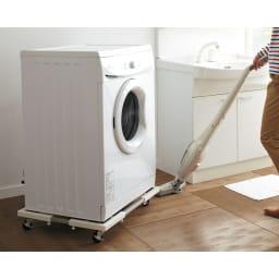 耐荷重約150kg ステンレス洗濯機置き台【洗濯機設置台】 重たい洗濯機もしっかり支えます。(※お届けは「洗濯機置き台」のみです。)
