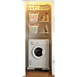 驚きのパイプ幅1.2cm すき間に収まるランドリーラック 棚3段 洗濯機置き場のスペースに限りがあっても設置できます。 (※写真は大型バスケットタイプです。)