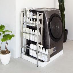 ステンレス洗濯機サイドラック 4段 幅14.5cm高さ103.2cm 脚部アジャスター付きで約4cmまでの段差に対応できます。
