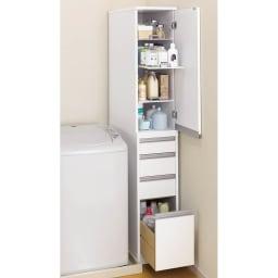 豊富なサイズから選べる 光沢仕上げすき間収納庫 幅25cm・奥行55cm スライド棚と引き出し収納で洗面所まわりがスッキリ。(※写真は幅30cmタイプです。)