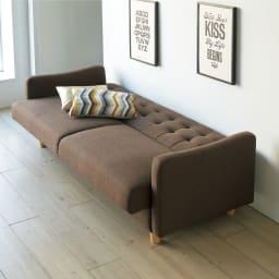デザインにこだわったソファベッド 幅176cm奥行70cm 実は、ベッドにもなるんです。ベッドの時は、壁にぴったり。