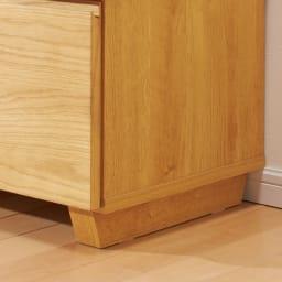オーク天然木北欧風 テレビ台・テレビボード 幅180cm 脚部はデザイン性のある台形です。