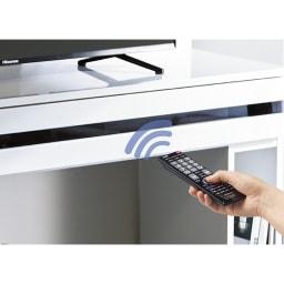 ラインスタイル伸長式テレビ台・テレビボード ロータイプ(高さ48cm) 扉を閉めたままでもリモコン操作ができます。