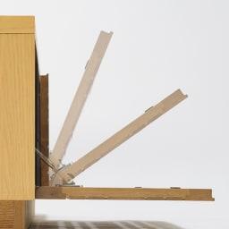 天然木無垢材のテレビ台・テレビボード アッシュ天然木 幅150cm フラップ扉はゆっくり開閉するソフトダウンステー仕様。