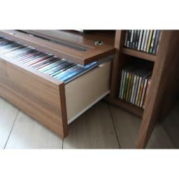 天然木調お掃除がしやすいコーナーテレビ台 幅120cm 引き出しはスライドレール付き。