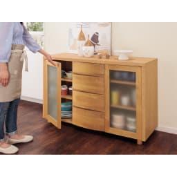 アルダー天然木アールデザインシリーズ サイドボード  幅124高さ79cm 食器などの収納に。