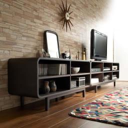 曲面加工のラウンドシェルフシリーズ テレビ台・テレビボード 2段3連 幅165cm 高さ52cm脚付きタイプ 空間をおしゃれに彩る曲線美。