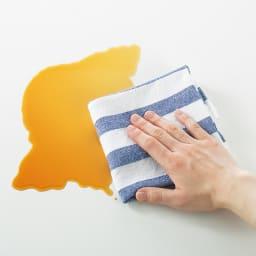 奥行たっぷり収納デスク 幅160cm 天板は傷や汚れに強いポリエステル樹脂化粧合板を採用。