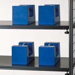 壁面を有効活用できる 幅伸縮 頑丈ラック 突っ張り3段 耐荷重約20kgの頑丈棚板で重い物も安心。