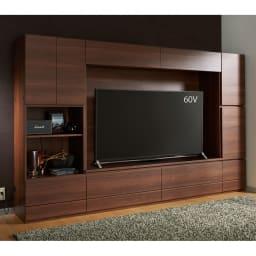 【パモウナ社製】使いやすさを考えた美しいシステム収納 テレビ台 幅140cm[50・55インチテレビ対応サイズ] コーディネート例(ウ)ウォルナット フロアライフ派には上置きなしもおすすめ。