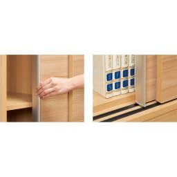 狭い場所でも収納たっぷり引き戸壁面収納シリーズ 収納庫 ミラー扉タイプ 幅90cm (左)目立ちにくいアルミ取っ手。手を掛けられる範囲が広く、開閉がラク。(右)引き戸にはレール付き。軽い力でスムーズに動くローラー仕様。