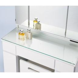 ライト付きドレッサーシリーズ ドレッサー(スツール付き) 幅80高さ139cm 強化ガラス天板なので液体がこぼれても安心。