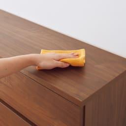 奥行30cm薄型収納チェスト 6段 幅60高さ121cm キズや汚れに強い素材クリーンイーゴスを採用し、お手入れ簡単。