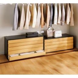 和モダン桐箪笥 衣類収納6段 クローゼット下の空きスペースに。 ※写真は左から着物収納5段、着物収納4段です。
