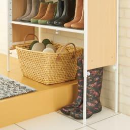 空間に美しく調和する伸縮自在木目調シューズラック 5段 34cmの段差まで またげる脚部伸縮で ブーツも収納可能