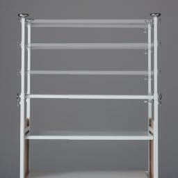 空間に美しく調和する伸縮自在木目調シューズラック 突っ張り式11段ワイド 棚は5cm間隔で可動します。