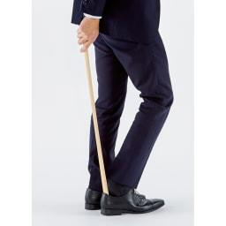 天然木ロング靴べら 膝を曲げずに履けるロングサイズ。