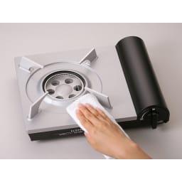 イワタニ エコカセットコンロ トッププレートに高性能プレコートフッ素鋼板を採用。汚れの拭き取りやお手入れも簡単で、長くキレイに使えます。