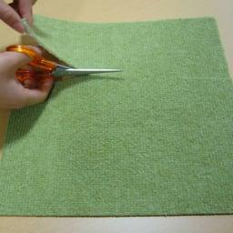 ピタッと吸着!「洗える置くだけタイルマット」 同色20枚組(カテキン消臭) グリーン ハサミで自在にカットできます。