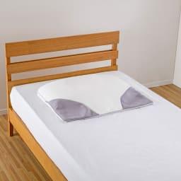 ミズノ・dinos 共同企画商品 メディブレスピロー 枕単品 横幅が約70cmと大判で、ゆったりと眠ることができます。側カバーは、肌触りの良いニット素材で、洗濯機で丸洗いできるので、直接お眠りいただくことも可能。