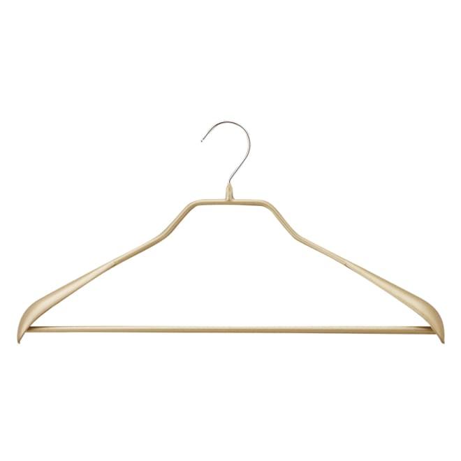 MAWA(マワ)ハンガー ボディーフォーム 5本組 (イ)ゴールド スーツ等のシルエットをキレイに保つ肩付き。上下セットで掛けられます。