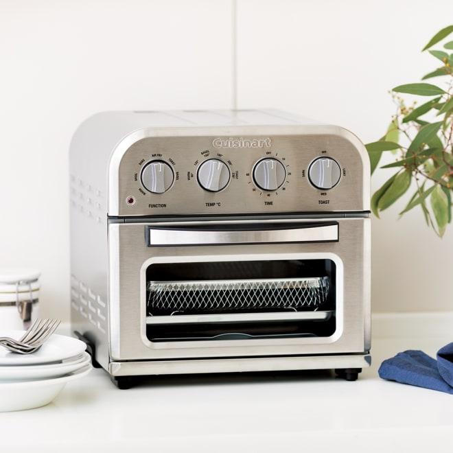 クイジナート エアフライオーブン トースター シルバー色 ミトン付きディノス特別セット【限定800個】 機能はもちろん、おしゃれなルックスもポイントです。