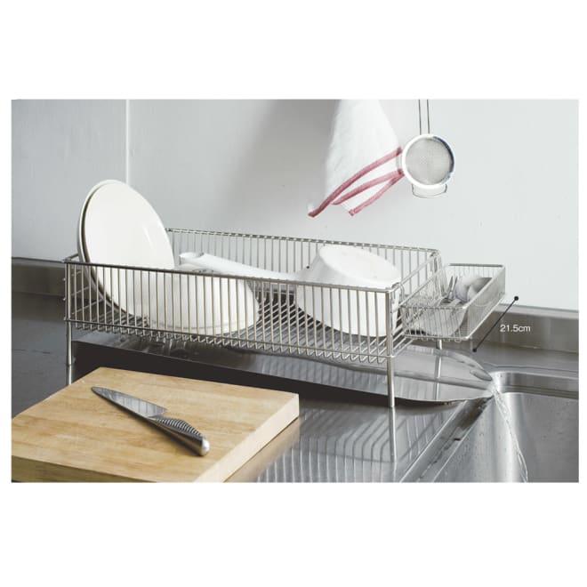 有元葉子のラバーゼ オールステンレス製水切りカゴセット 横置き スリム 横に設置できるので、手前のスペースで調理ができるようになりました!