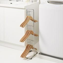 ハンガー収納ラック 汎用ハンガーモデル 3段 幅広の木製ハンガーがかけられるタイプもご用意。