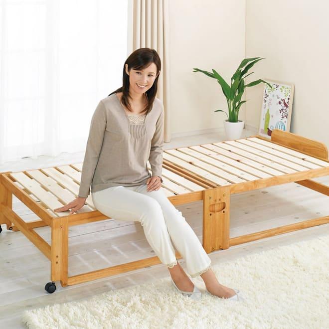 折りたたみ式ひのきすのこベッド シングルハイ 折りたたみベッドながら、立ち座りのしやすい高さが嬉しい。床面まで高さ37cm。 (ア)ライトブラウン シングルハイ
