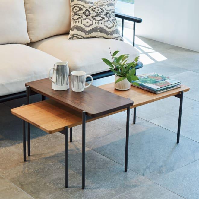 北欧調 スタイリッシュソファシリーズ リクト天然木センターテーブル オーク 高さが違うセンターテーブルとサイドテーブルを組み合われば、コンパクトながら空間にアクセントをもたらしてくれます。 ※お届けはセンターテーブル(オーク)です。写真は別売りのサイドーテーブル(ウォルナット)との組合せです。
