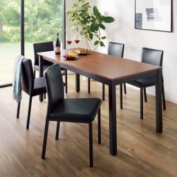 ブルックリン風天然木伸長ダイニングセット 5点セット(ダイニングテーブル+レザー調ダイニングチェア2脚組×2) コーディネート例(エ)ウォルナット/ブラック お届けはテーブル+チェア4脚です。