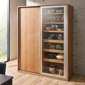 食器が取りやすい引き戸式魅せる収納庫 幅140奥行57.5cm 写真