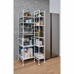 キッチンのすき間にピッタリ 幅伸縮すき間ラック 奥行59.5cm すコーディネート例 設置場所に合わせて幅を伸縮させて使えます。 ※お届けは写真左のワイドタイプ奥行59.5cm。