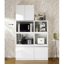 組立不要 幅と高さが選べる家電収納庫・レンジ台 ハイタイプ 幅60cm・奥行45cm レンジから炊飯器などの家電、食材のストックまでオールインワンのキッチン収納です。 ※お届けは(写真左)幅60cmハイタイプです。