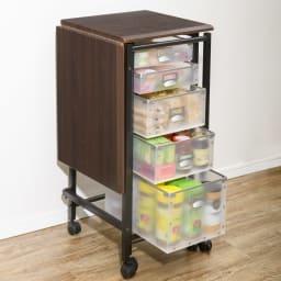 広がる調理台付き 多段キッチンストッカー 幅42cm(天板伸長時 幅90cm) (イ)ダークブラウン 収納も作業も叶う1台2役。天板を広げれば幅90cmのワイドな作業台になります。