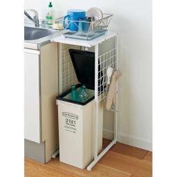 幅が伸縮するキッチン作業台ラック 奥行45cm 幅30cm~50cm これ一台で散らかったすき間をスッキリ。 ※奥行45cmタイプです。お届けはラックのみです。
