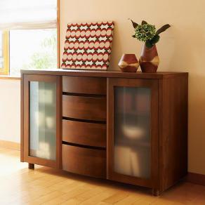 アルダー天然木アールデザインシリーズ サイドボード  幅124高さ79cm 写真