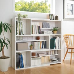 天然木調 伸縮式ブックシェルフ 3段・幅90~155cm 幅伸縮で、窓下のスペースにぴったり。 (ウ)ホワイト(木目)