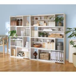 天然木調 伸縮式ブックシェルフ 4段 幅60~93cm 高さ153cm コーディネート例(ウ)ホワイト(木目)