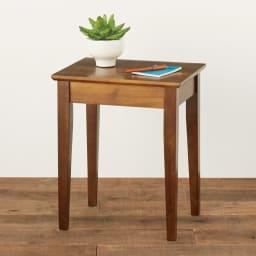 天然木サイドテーブル ベッドサイドや玄関先にぴったりのラバー天然木製。