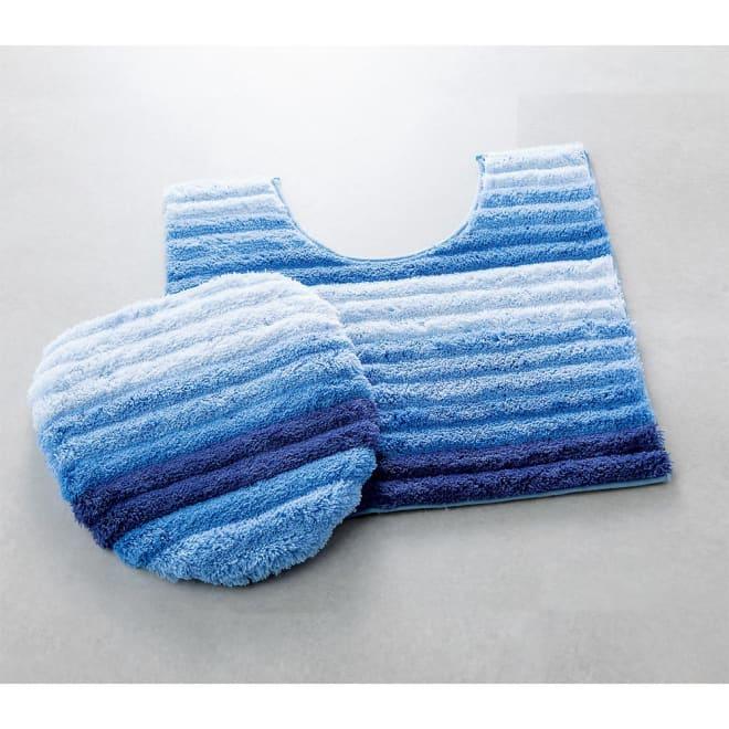 フレッシュデオ消臭トイレマット&フタカバー (ア)ブルー マットの裏面は滑りにくい加工。