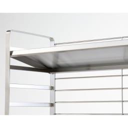 出窓にも使えるオールステンレス頑丈ラック 幅75cm 棚板は5cmピッチの可動式で、簡単に段を変えられます。