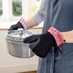 Cuisipro/クイジプロ 耐熱オーブンミトン 取っ手の熱い鍋にも。