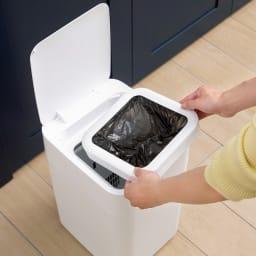 TOWNEW/トーニュー 自動ゴミ箱 本体・リフィル1個セット いちいちゴミ袋をセットする手間も省けます! 上フタを開けてセットするだけ。