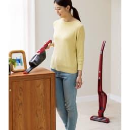 エレクトロラックス エルゴラピード 床掃除中に気になった棚上などの汚れもサッと掃除できます。
