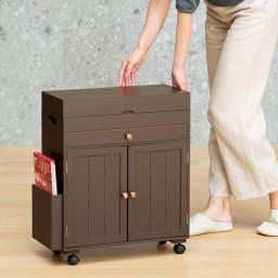 ミシン専用 裁縫用品 ひとまとめ収納ワゴン 移動に便利なキャスター付きです。